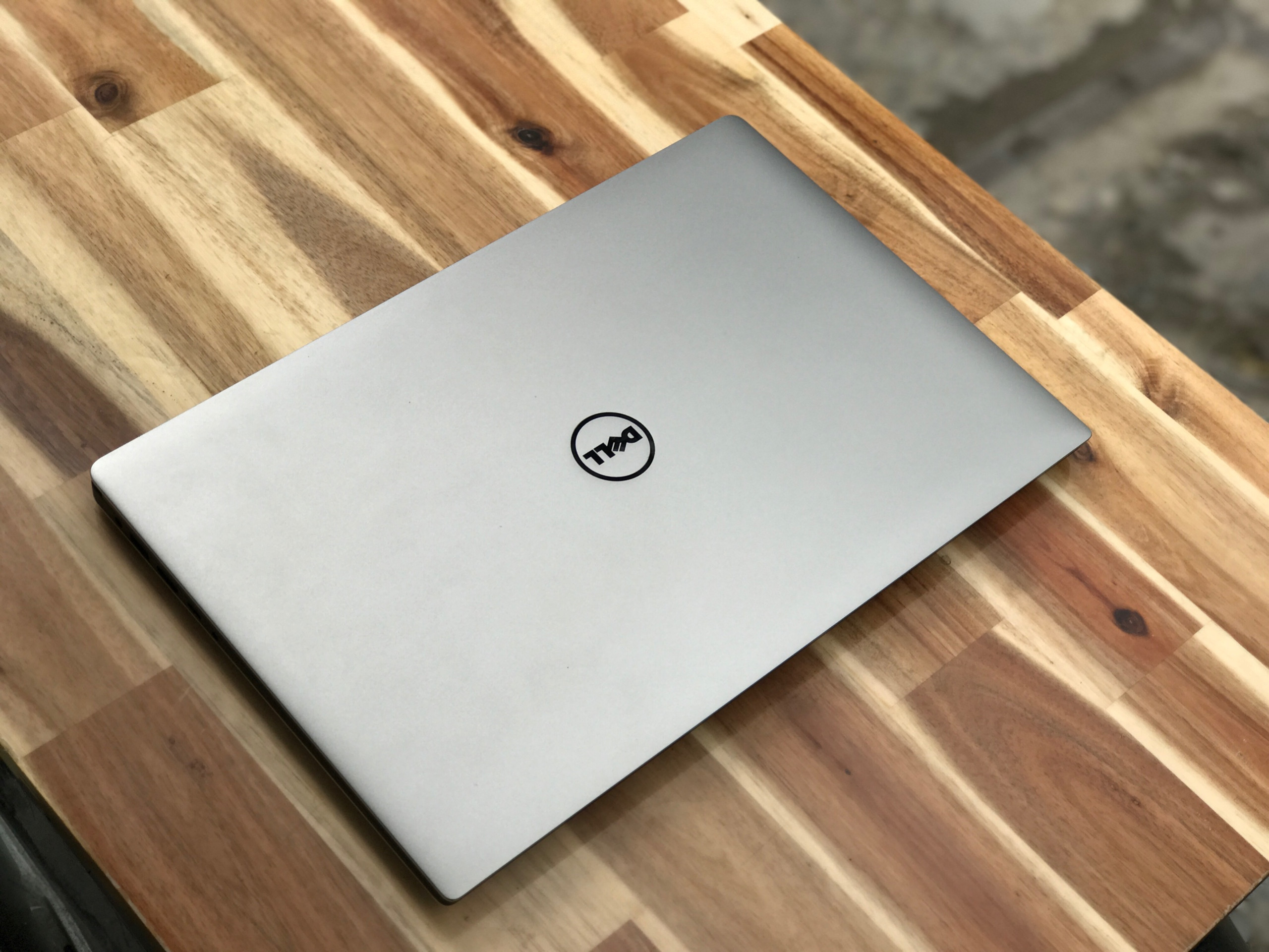 Laptop Dell XPS 15 9560, I7 7700HQ 16G SSD512 4K GTX1050 Like new zin 100% Giá rẻ2