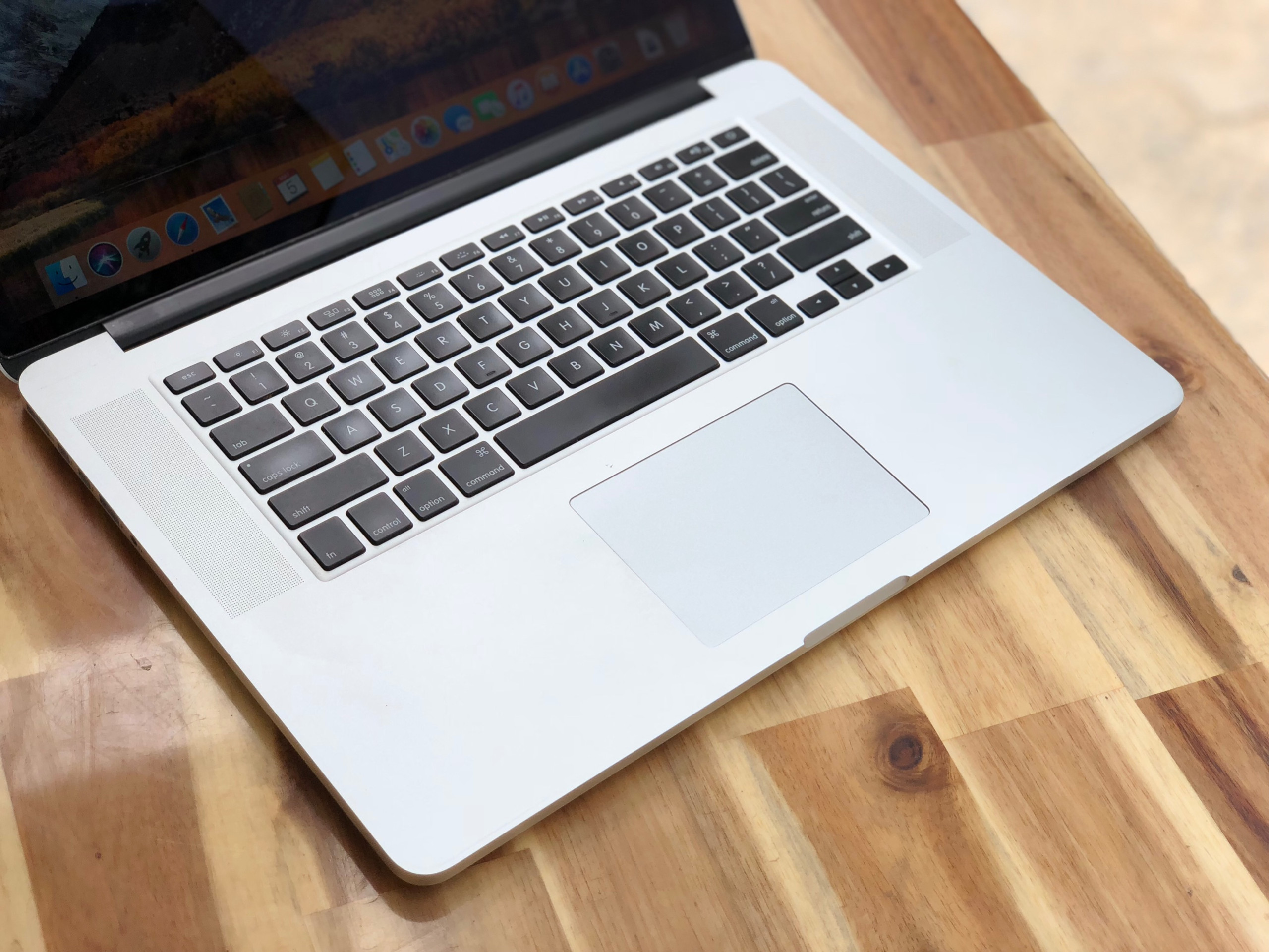 Macbook Pro Retina ME293/ Core i7/ Ram 8G/ SSD/ 15in/ MAC OS/ Retina/ Giá rẻ4