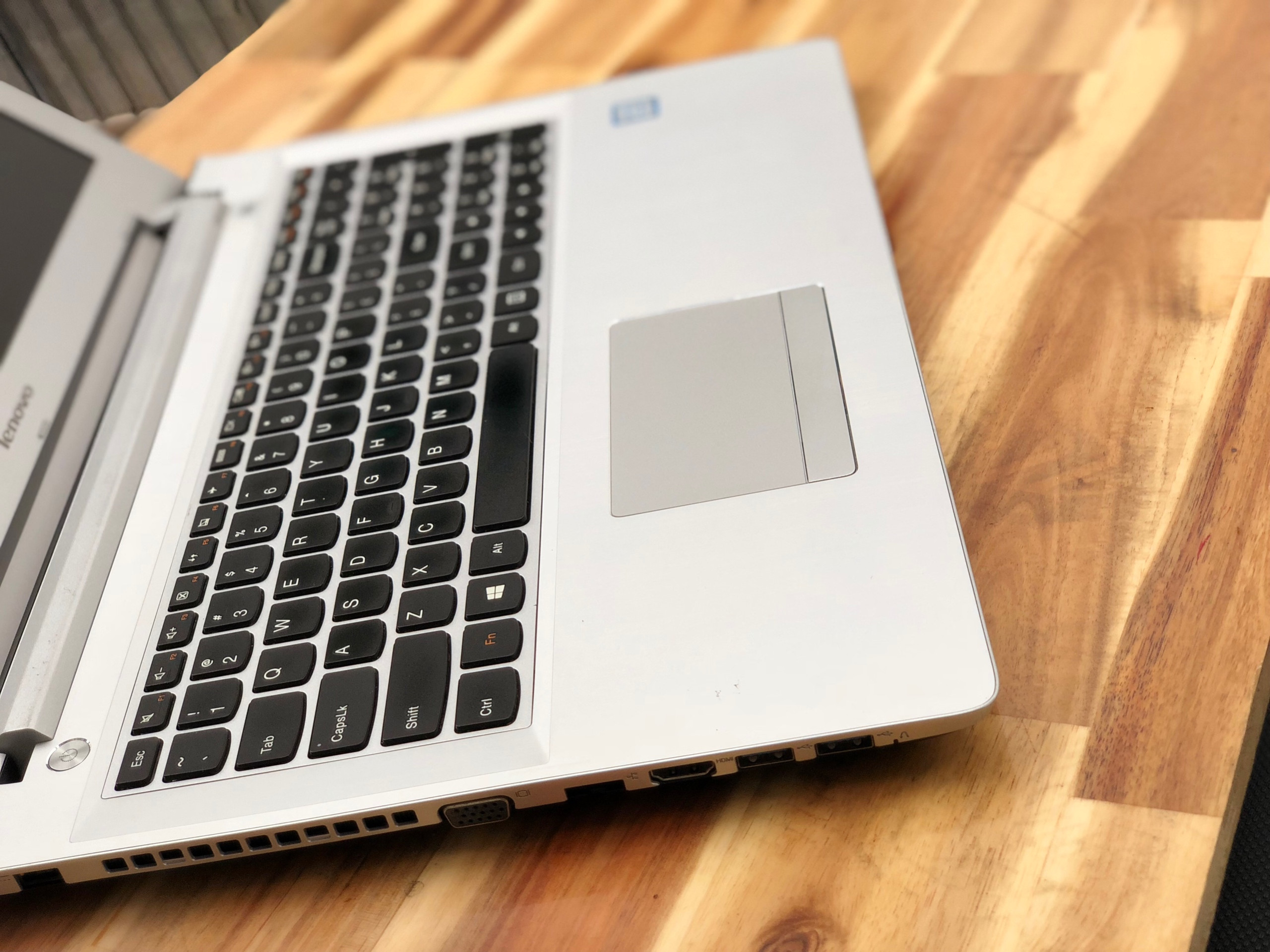 Laptop Lenovo ideapad 500-15ISK, I7 6500U 8G 1T Vga 4G Full HD Like new zin 100% Giá rẻ2